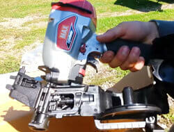 Max CN445R2 - SuperRoofer coil roofing nailer